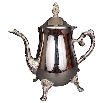Elegant Quality Victorian Silver Plate Coffee or Chocolate Pot
