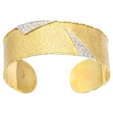 Vintage 18 Karat UnoARerre Diamond Cuff