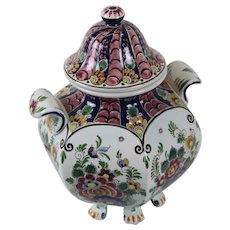 Hand painted Delft polychrome lidded footed jar
