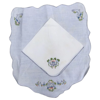 Floral Embroidered Vintage Linen Placemat and Napkin Set * Service for 8