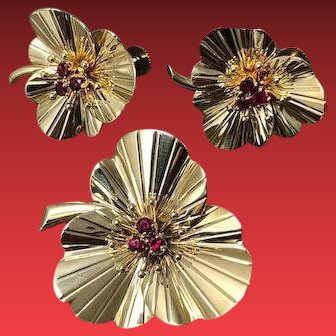 A 14KYG Demi Parure Ruby Brooch and Earring Set