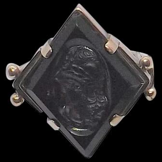 Onyx Victorian intaglio cameo ring in 10K gold