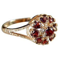 Antique Victorian 9kt Gold Garnet Cluster Ring