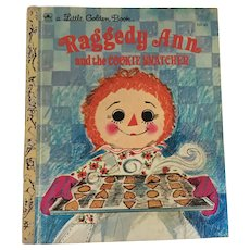 1972 'Raggedy Ann and the Cookie Snatcher' Little Golden Book
