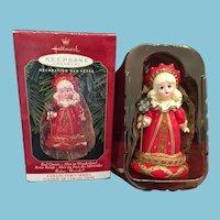 1999 Hallmark  Keepsake Christmas Ornament 'Red Queen' by Madame Alexander