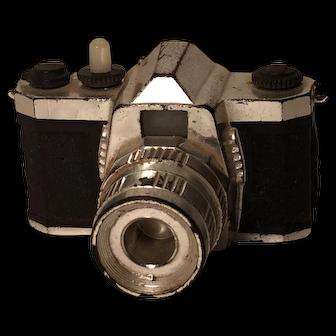 "2"" x1 1/2"" x 1"" tall Vintage View Master-Type Miniature Camera"