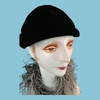 circa 1950s  'Eva Mae - Hat of Distinction' Black Velvet Beanie