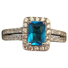 Stunning Size 8 Sterling Silver .925 Ring with Blue and White Topaz