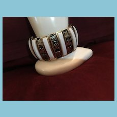 High Quality Expandable Brass Asian Cuff White and Black Bracelet