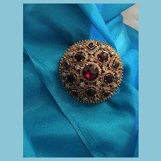 1950s Signed 'Lisner' Gold-toned Filigree Metal Domed Circle Brooch