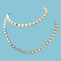 """1950s - 60s 40"""" 'Flapper' Rope  Opaque White Glass Bead 'Monet' Necklace"""