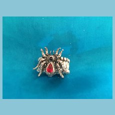 1960s Sculpted Spider Fashion Ring with a Red and Black Crystals