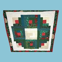 Hand-stitched Christmas Print Square Patchwork Quilt