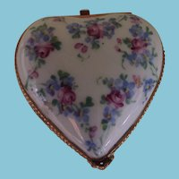 Stunning Limoges Peint Main Heart Shaped Hinged Trinket Box