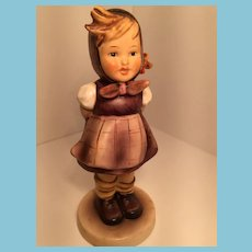 1963 Goebel 'Which Hand' Hummel Figurine with Open Bee