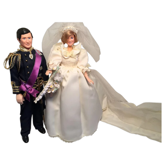 The Wedding of Prince Charles and Lady Diana Spencer (Set of Two Dolls)