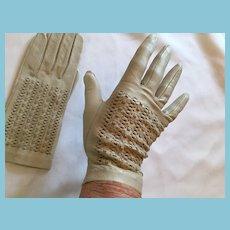 1950s-60s New Size 7 Beige Soft Kid Gloves