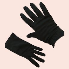 1950s-60s Kayser-Roth Black 'Nylosuede' Short Gloves