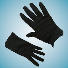 1950s-60s Kayser-Roth Black 'Nylosuede' Short Gloves