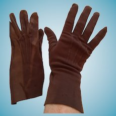 1950s- 60s Kayser-Roth Size 7  Brown Velour Gauntlet Gloves