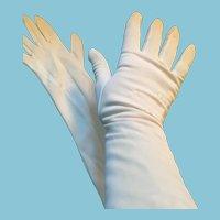 1950s- 60s Size 7 Mid-Forearm White Nylon Gloves