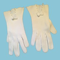 1940s- 50s 'Sunday School' Wrist-Length White Cotton Gloves