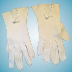 1940s- 50s 'Sunday School' Wrist-Length White Cotton Gloves