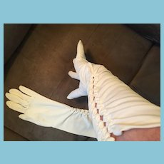 1950s- 60s Long White Pinklane Nylon Gloves