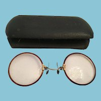 """Edwardian """"Pince Nez"""" Spectacle Glasses and Clamshell Case"""