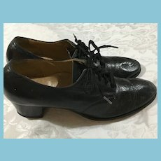 Circa 1940s Size 7 Red Cross Shoes-Black Leather Oxford Pumps