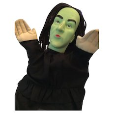 "Wonderful 1988 MGM/ Turner 10"" Wizard of Oz Wicked Witch Hand Puppet"