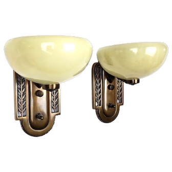 Art Deco Pair of Wall Sconces with Copper Finish and Floral Design - 1930's