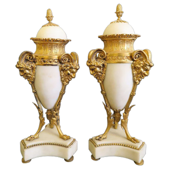 19th C. Pair Of White Marble Urn Mounted On Gilt Bronze Stand