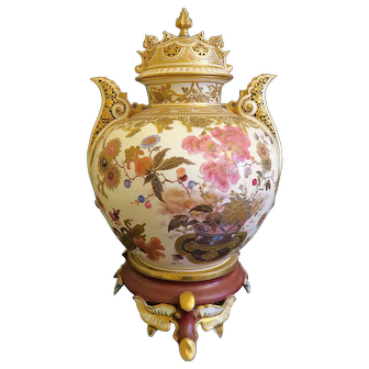 Exceptional 19th C. Large Japanese Meiji Satsuma Urn With Top