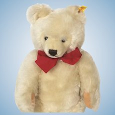 Steiff Blond mohair Bear 1968 - 1990
