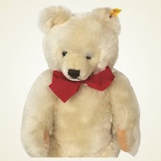 Steiff Blond mohair Bear 1968 - 1990