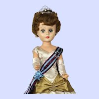 Deluxe Reading Fashion Doll In Formal Queen Gown