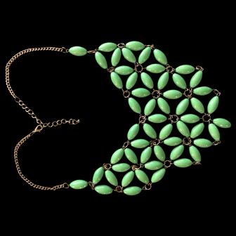 "Gorgeous Green Unique Vintage Lucite ""Flower-Power"" Choker - Big and Beautiful Statement Piece!"
