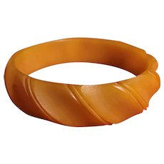 Rare Deeply Carved - Bakelite Bangle - Unique Matte Finish