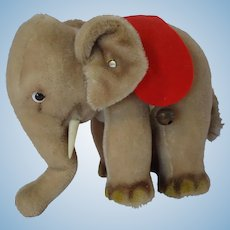 STEIFF Middle size Elephant with button and chest tag