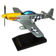WW2 P-51D Mustang Solid Mahogany Model Desktop Airplane Hand Painted 1/48 scale