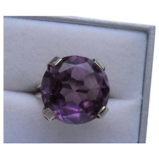 14k Gold synthetic Alexandrite Ring - Modernist style