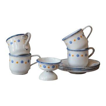 Miniature Child's Toy Enamelware Graniteware Tea / Coffee Cup Set.