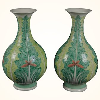19th c. Qing Dynasty Pair of Tall Green Chinese Export Cabbage or Bok Choy Leaf Vases
