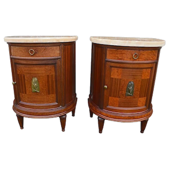 Pair Of French Art Deco Mahogany bedside tables, 1920s