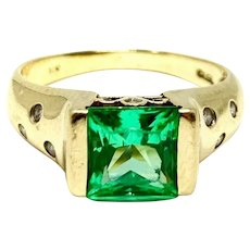 10k Yellow Gold Green Topaz and Diamond Ring Size 7.5