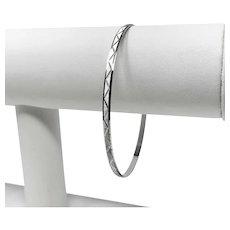18k White Gold Diamond Cut Bangle Bracelet Italy 8.5 Inches