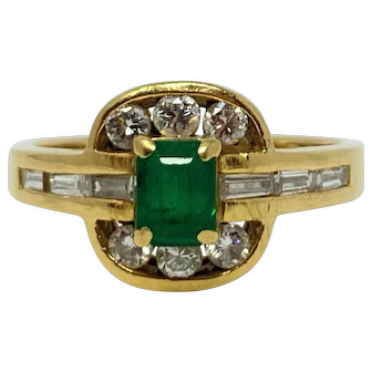18k Yellow Gold .72ctw Diamond and Emerald Ring Size 6.5