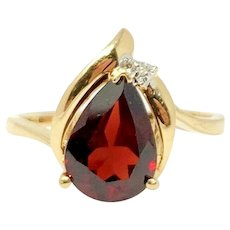 14k Yellow Gold 1.5ct Red Garnet and Diamond Ring Size 5.5
