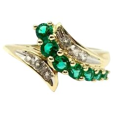 10k Yellow Gold Emerald and White Topaz Ring Size 7